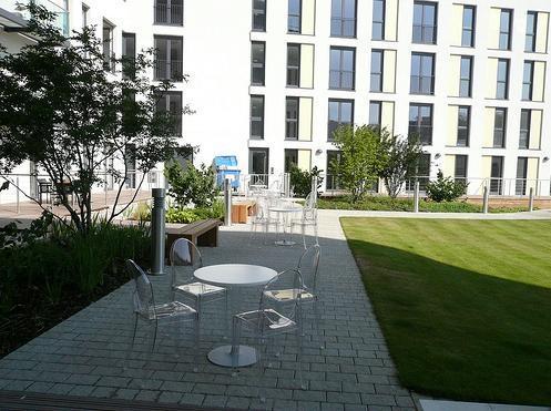Location de chaise victoria sur location de mobilier et mat - Location chaise belgique ...