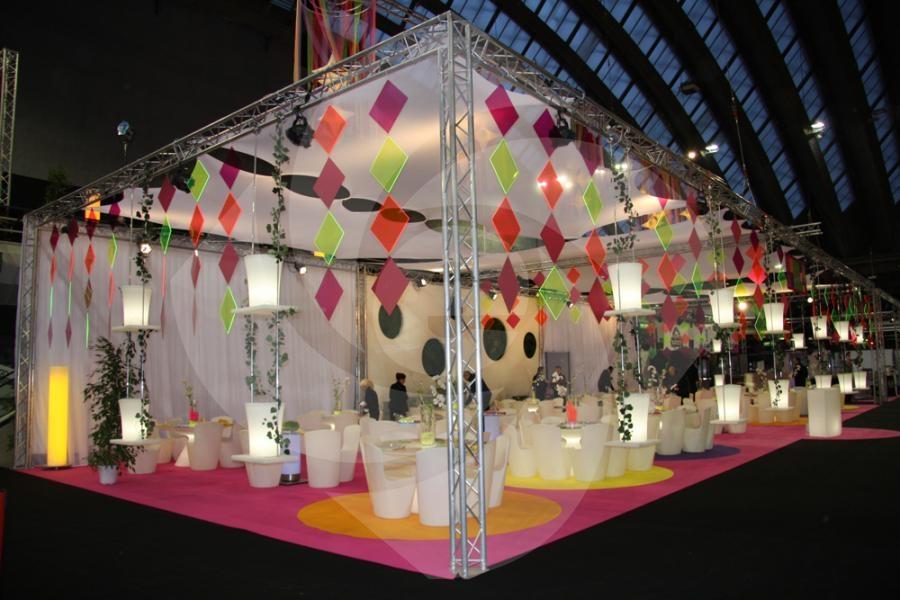 Location de stand 15m x 4m x 4m50 sur for Salon 5m sur 4m