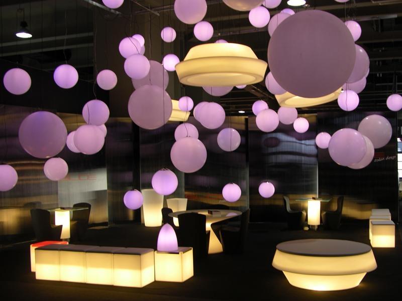 Location de mobilier lumineux globo 50 boule lumineuse for Location mobilier salon