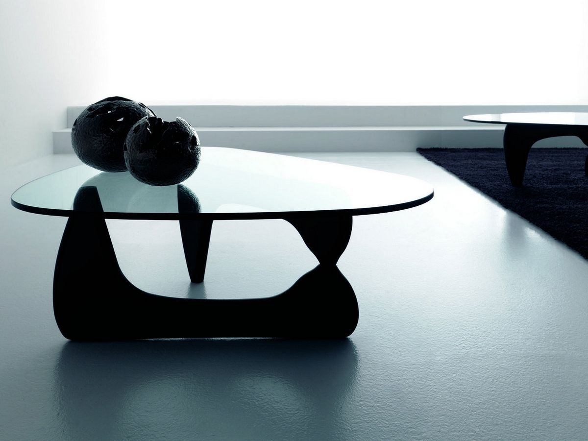 Location de mobilier v nementiel table basse isamu for Location de mobilier pour salon